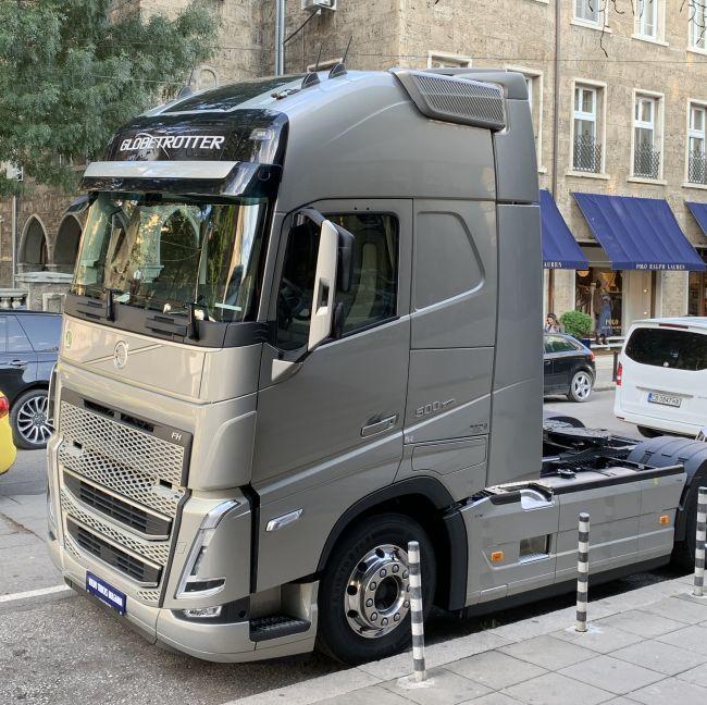 Новите камиони Volvo Trucks вече на живо в България