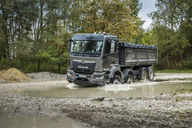 Видео - Кратък драйв тест на нови модели камиони MAN